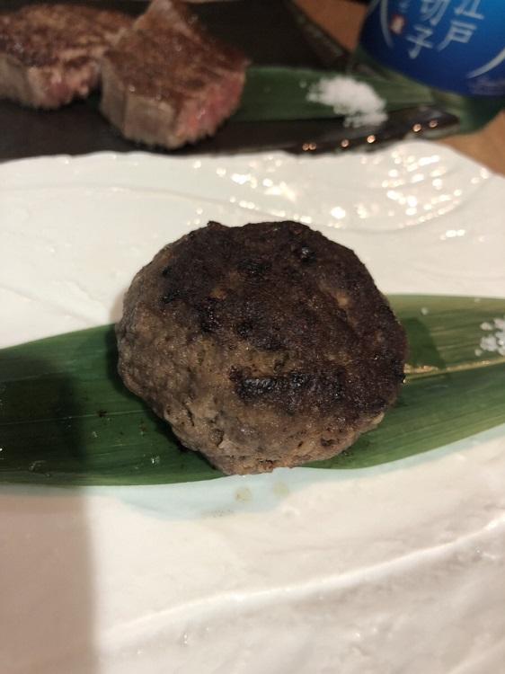 川崎の鉄板焼き料理店[円居]の黒毛和牛ハンバーグ