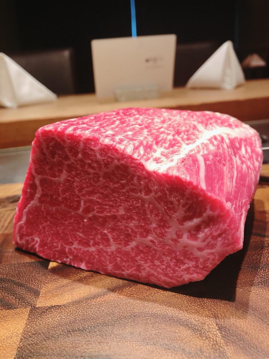 川崎で黒毛和牛が堪能できる鉄板焼き店【円居 -MADOy- 川崎】