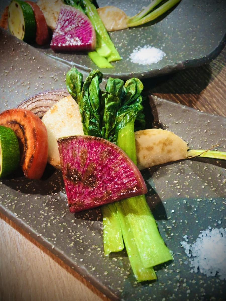 【円居 -MADOy- 川崎】で味わえる野菜の鉄板焼き